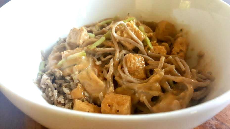 soba noodles in peanut sauce