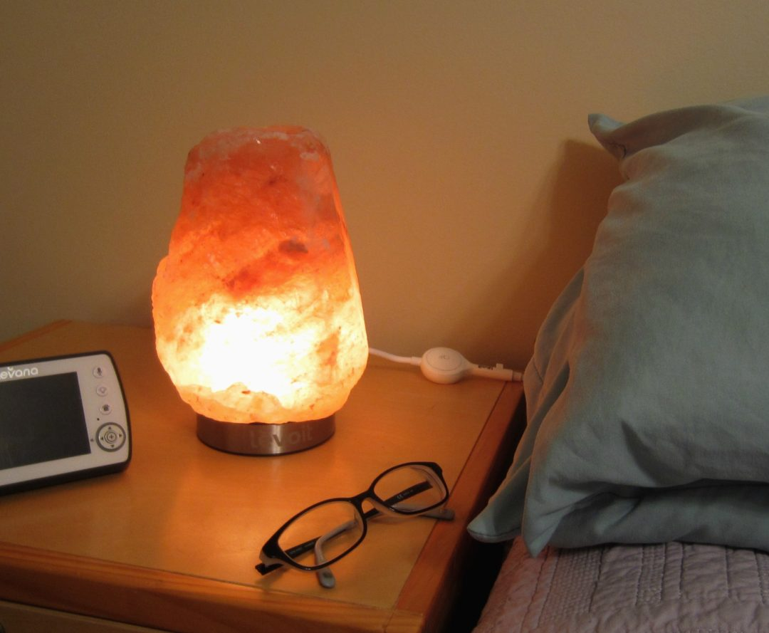 Science Behind Salt Lamps : MamatheFox - Levoit Hand Carved Natural Himalayan Salt Lamp - MamatheFox
