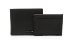 A Cool And Branded Wallet Is An Awesome Gift To Give 15 Year Old Boy Nice That They Can Use For Few Years It Made In
